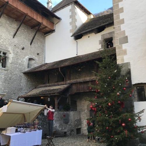 Cours du Château de Chillon à Noël